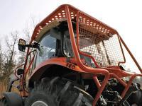 Da Steyr von 55 bis 115 PS (Kompakt) und von 110 bis 230 PS (Profi und CVT) immer das gleiche Kabinensystem verwendet, kann das Unternehmen auch ein ausgereiftes Niedrigdach f�r den Forsteinsatz anbieten.