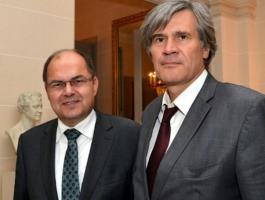 Stephane Le Foll (r) und Christian Schmidt haben eine gemeinsame Position gegen�ber der geplanten EU-�ko-Verordnung, sie lehnen sie ab.