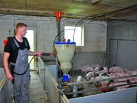 Nutzbringende Mikroorganismen sind in der Anwendung f�r Tier und Mensch v�llig ungef�hrlich. Foto: Hungerkamp
