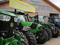 Bayerns Wirtschaftsministerium bezuschusst durch das Programm RapsTrak200 den Kauf oder Umbau von Raps�l-Traktoren mit bis zu 8.500 Euro.