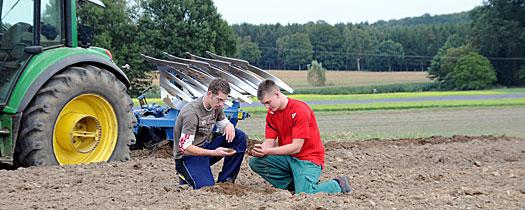 Die Befragten der Emnid-Umfrage w�nschten sich, dass in den Schulen ein realistisches Bild der Landwirtschaft vermittelt werde.