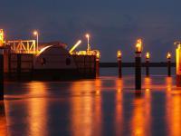 Das Emssperrwerk wurde gebaut, um die Kreuzfahrtschiffe aus der Meyer-Werft in die Nordsee �berf�hren zu k�nnen.