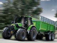 Fahrerwettbewerb: Die Landwirte haben die M�glichkeit zu zeigen, wie schnell sie ein Wendeman�ver schaffen k�nnen.
