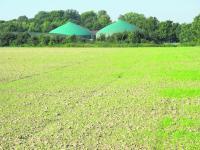 Seit 2006 geh�rt zur Gutsgemeinschaft Lenthe eine Biogasanlage mit 530 kW dazu, die ausschlie�lich mit Nachwachsenden Rohstoffen gef�ttert wird.