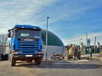 Substrat fahren an Biogasanlage