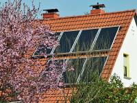 Dach-mit-Photovoltaik.jpg