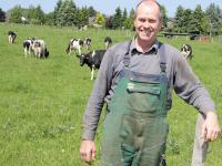 Friedrich Ostendorff, agrarpolitischer Sprecher der Gr�nen, ist auch Landwirt im Kreis Bergkamen-Weddinghofen. Seit 1983 bewirtschaftet er seinen Betrieb nach Bioland-Kriterien.