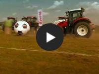 Netzschau: Traktor-Fu�ball