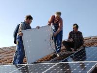 Solarstromanlagen werden fit gemacht f�r noch stabilere Netze.