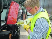 Traktoren im Test: Der Dieselverbrauch bei schweren Zapfwellenarbeiten wurde im Stand und der bei leichteren Arbeiten im Fahrbetrieb gemessen.